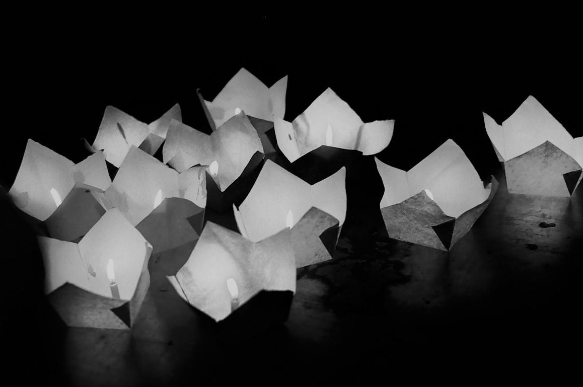 trí tuệ là ngọn đuốc sáng giúp ta vượt qua nỗi sợ hãi